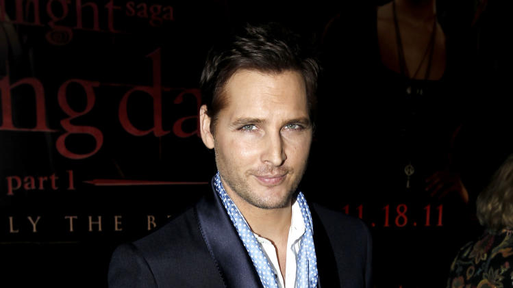 "Peter Facinelli arrives at the world premiere of ""The Twilight Saga: Breaking Dawn - Part 1"" on Monday, Nov. 14, 2011, in Los Angeles. (AP Photo/Matt Sayles)"