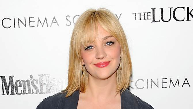 "FILE - This April 19, 2012 file photo shows actress and cast member on ""Saturday Night Live,"" Abby Elliott attending a special screening of ""The Lucky One"", hosted by The Cinema Society and Men's Health, at the Crosby Street Hotel in New York. Elliott is not returning to ""Saturday Night Live."" Her exit was first reported Wednesday, Aug. 15, by the comedy website Splitsider. NBC declined to comment, but a source familiar with casting changes at the show confirmed Elliott's departure. (AP Photo/Evan Agostini, file)"