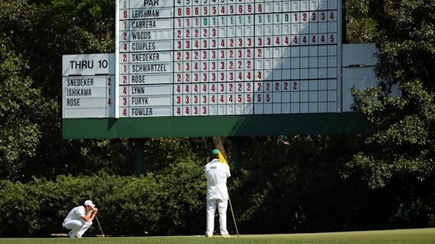 Justin Rose of England lines up a put on the 11th hole during the second round of the 2013 Masters Tournament at Augusta National Golf Club (AFP)