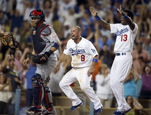 Dodgers pull out win over Cardinals with 2-run 9th