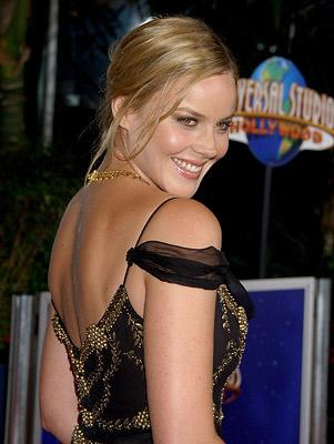 Abbie Cornish at the Universal City premiere of Universal Pictures' Elizabeth: The Golden Age