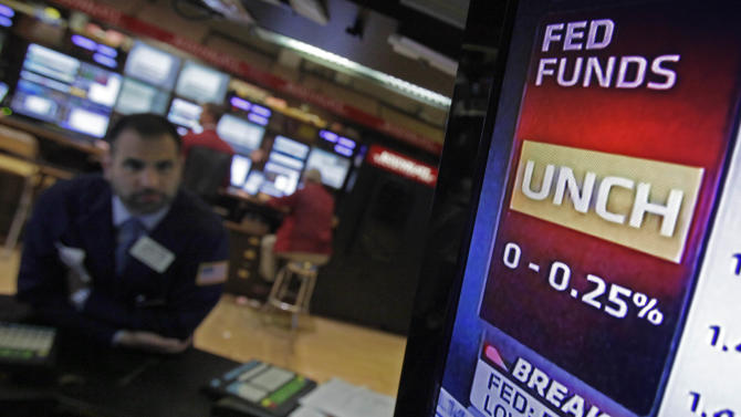 Fed: US growth slows, but no action needed _ yet