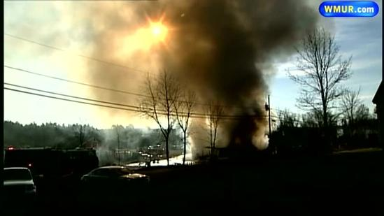 Fire destroys building at Londonderry flea market