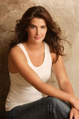 "Cobie Smulders as Robin CBS' ""How I Met Your Mother"" How I Met Your Mother"