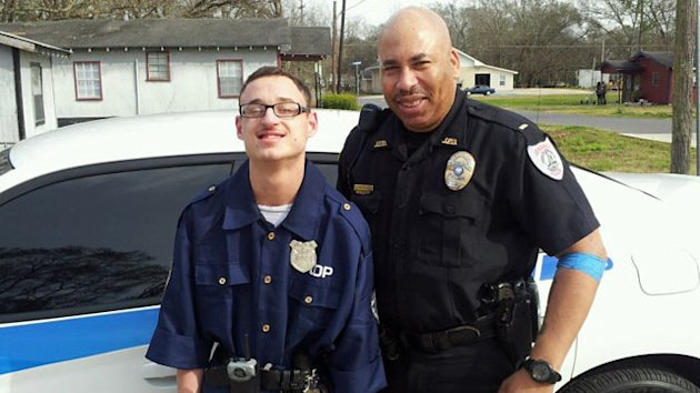 Louisiana Police Officer Makes Mentally Disabled Teen&#39;s Dream Come True (ABC News)