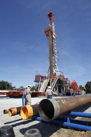 Audit: Gas lines tied to fracking lack oversight