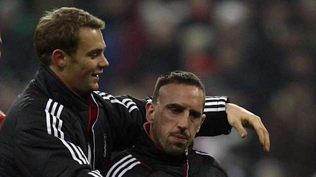Frank Ribery (R) and goalkeeper Manuel Neuer (Reuters)
