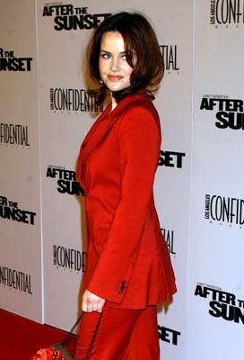 Premiere: Carla Gugino at the Hollywood premiere of New Line Cinema's After the Sunset - 11/4/2004