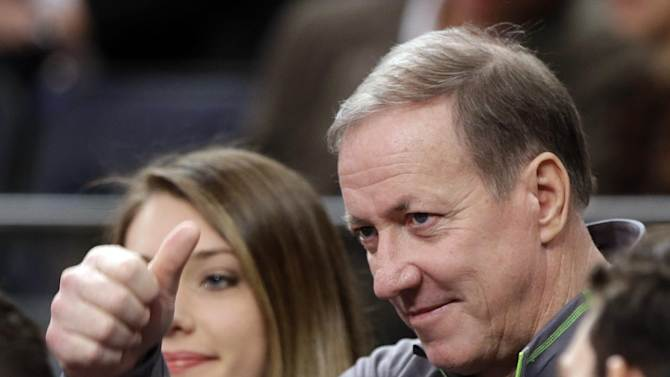 Jim Kelly's follow-up exam shows no sign of cancer