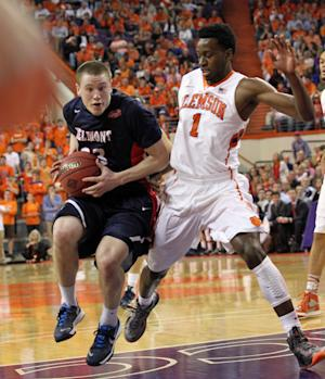 Harrison's 16 lead Clemson to NIT semis 73-68