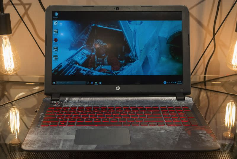 HP made a Star Wars laptop with R2-D2 sounds