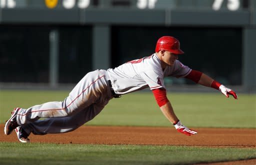 Hunter's 2 HRs, 6 RBIs helps Angels beat Rox 7-2