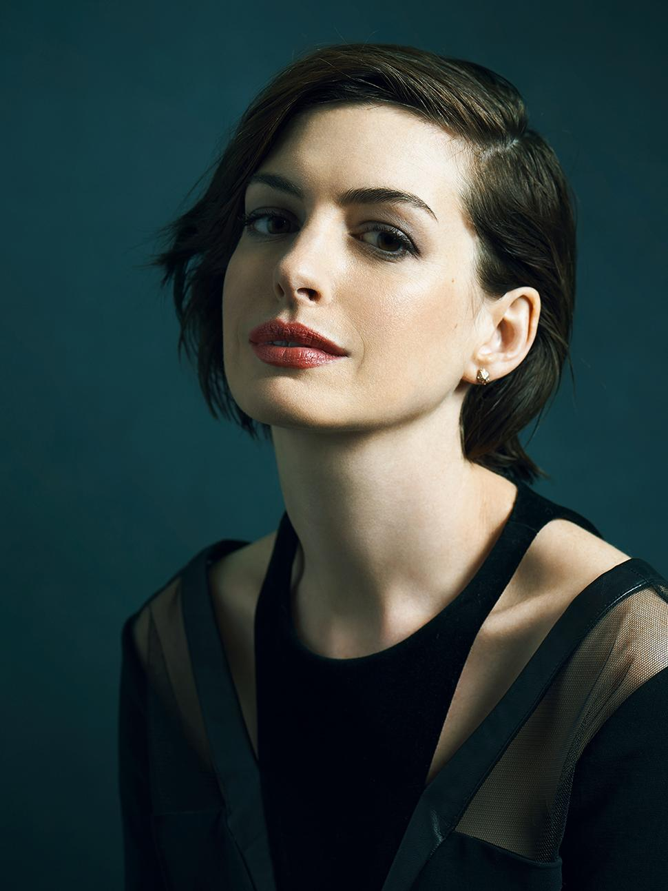 'Interstellar's Anne Hathaway: Going Method To Create Amelia Brand