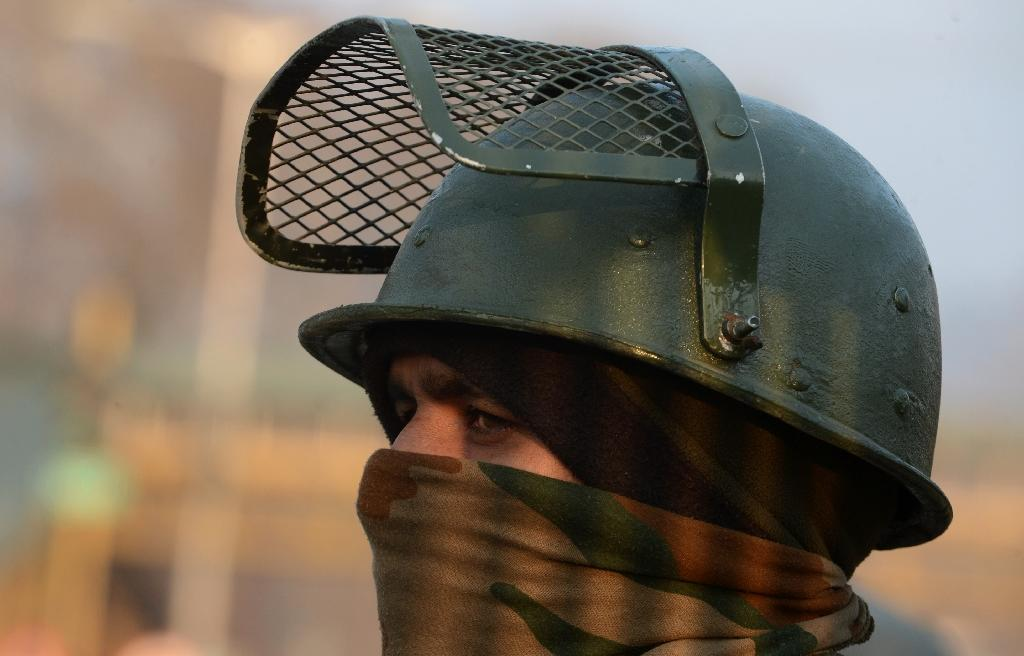 Seven killed in gun battle in Indian Kashmir
