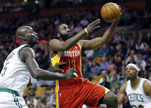 Pierce scores 23 as Celtics beat Rockets 103-91