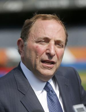 Bettman touts outdoor hockey game at Soldier Field