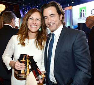 Julia Roberts, Dermot Mulroney Have My Best Friend's Wedding Reunion at Hollywood Film Awards: Picture