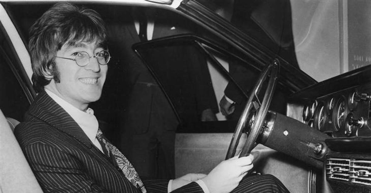 10 Extremely Disappointing Facts About John Lennon