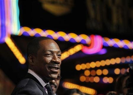 "Actor Eddie Murphy arrives for the taping of the Spike TV special tribute ""Eddie Murphy: One Night Only"" at the Saban theatre in Beverly Hills, California November 3, 2012. REUTERS/Mario Anzuoni"
