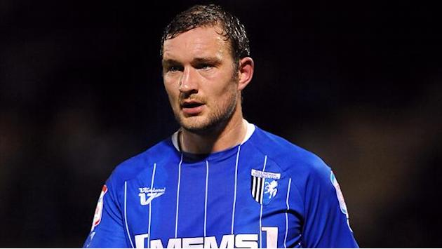 Gillingham hold onto top spot