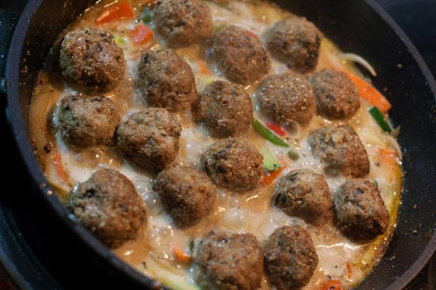 Mexican meatballs are known as albóndigas and are often found in a garlicky, tomato-based soup with rice, potatoes, and other vegetables. The albóndigas themselves typically have rice mi