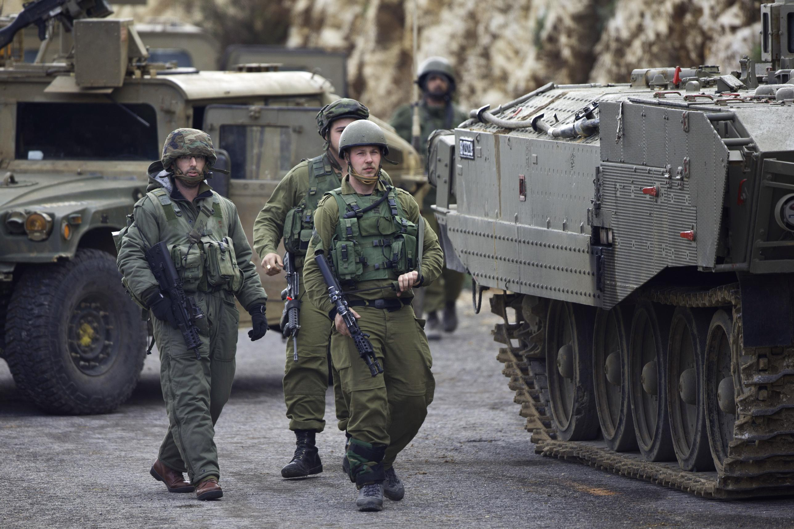 Lebanese Hezbollah hits Israeli convoy, causing casualties