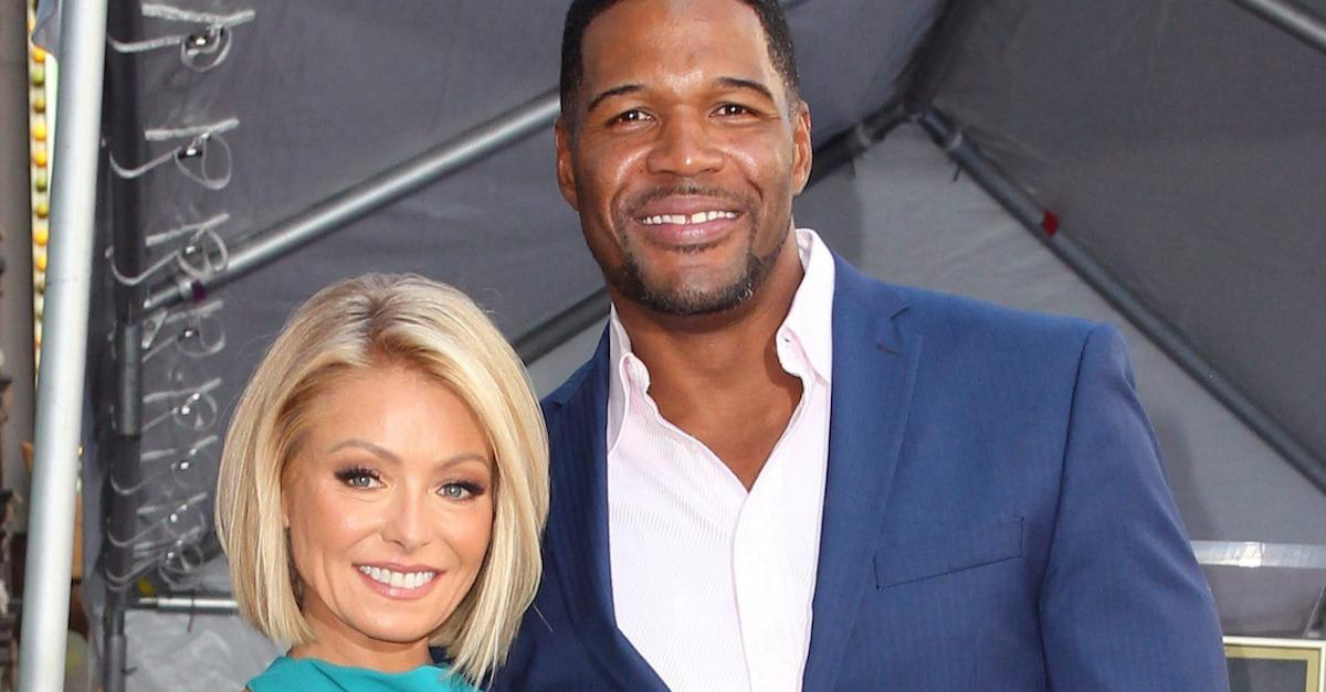 "Kelly Ripa ""Live!"" Controversy: 10 Things To Know"