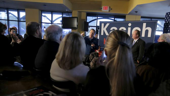 U.S. Republican presidential candidate Kasich speaks to supporters during a campaign event in Mount Pleasant