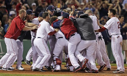 Ortiz hits 3-run HR in 9th, Boston beats Texas 6-3