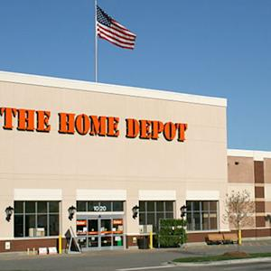 Home Depot Receives Helping Hand From Lowe's Upbeat Outlook