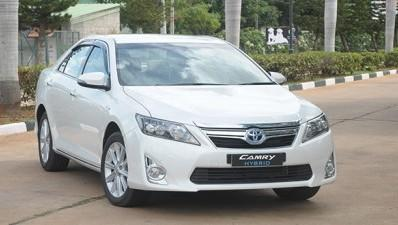 Toyota Camry Hybrid price reduced by Rs 2.30 lakh