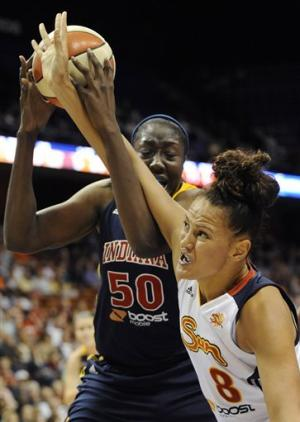 Lawson leads Sun in 73-67 win over Fever