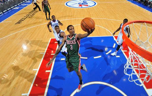 Jennings scores 33 as Bucks beat 76ers 105-96