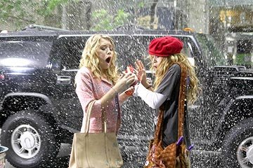 Ashley Olsen and Mary-Kate Olsen in Warner Brothers' New York Minute