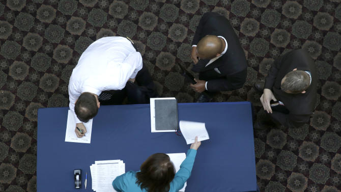 Applications for US jobless aid fall 20K to 331K