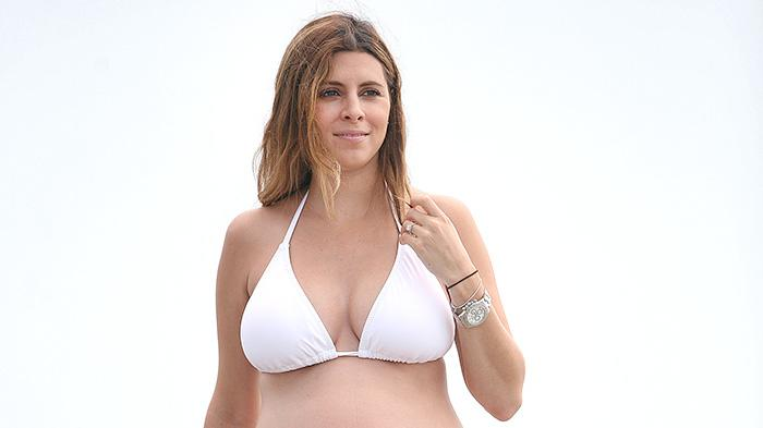 EXCLUSIVE: **PREMIUM RATES APPLY** Jamie Lynn Sigler looks great pregnant in a bikini in South Carolina