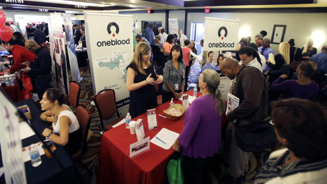 US unemployment aid applications rise to 336,000