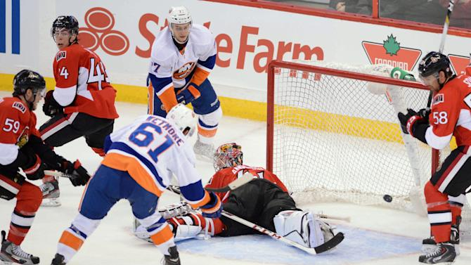 Sundstrom lifts Islanders over Senators, 5-2