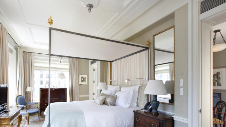 $50 million two-bedroom apartment at Central Park Ritz-Carlton four-poster bed