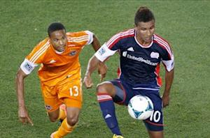 Juan Agudelo makes European debut with FC Utrecht