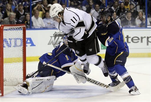 Kings blitz Blues early, win 5-2 to go up 2-0