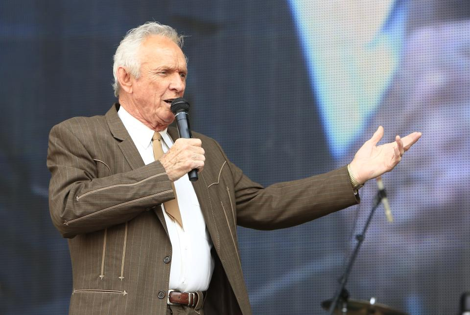 Mel Tillis performs at the Oklahoma Twister Relief Concert at the Gaylord Family-Oklahoma Memorial Stadium on Saturday, July 6, 2013 in Norman, Okla. (Photo by Alonzo Adams/Invision/AP)