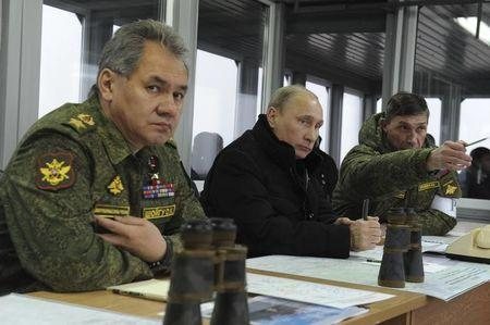 Defense chief says Russia to maintain military superiority: Interfax