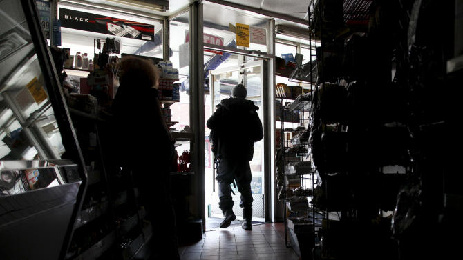 Big Apple improvises to reopen for business