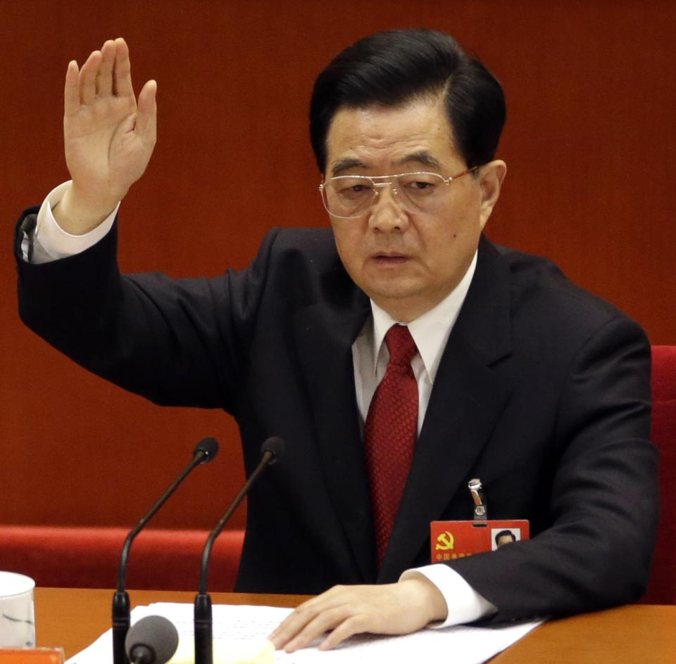 China's Hu clears way for Xi to take party helm