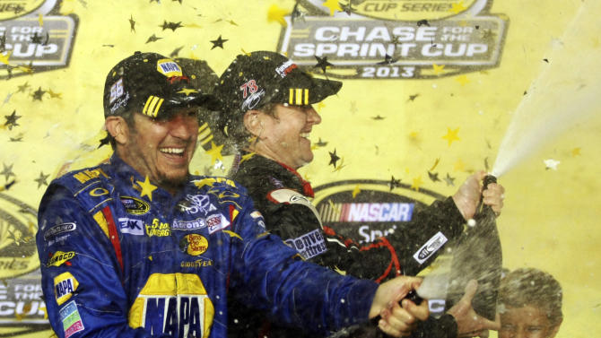 Newman replaces Truex in NASCAR chase