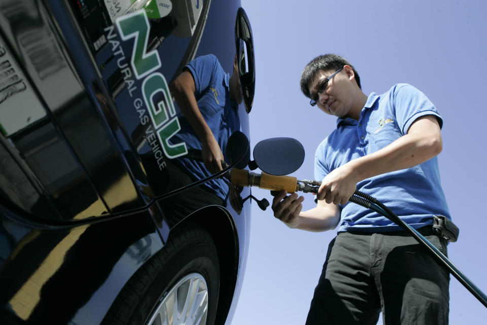 Natural gas vehicles making inroads; sales rising