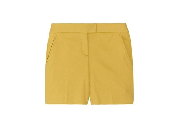 Lemon yellow to say hello to summer. These shorts are guaranteed to be flattering.  Theory stretch…