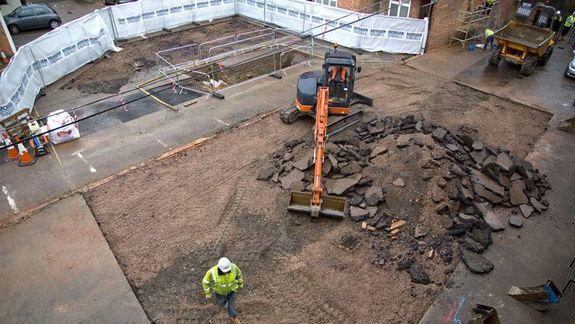 Dig Begins at Richard III's Final Resting Place