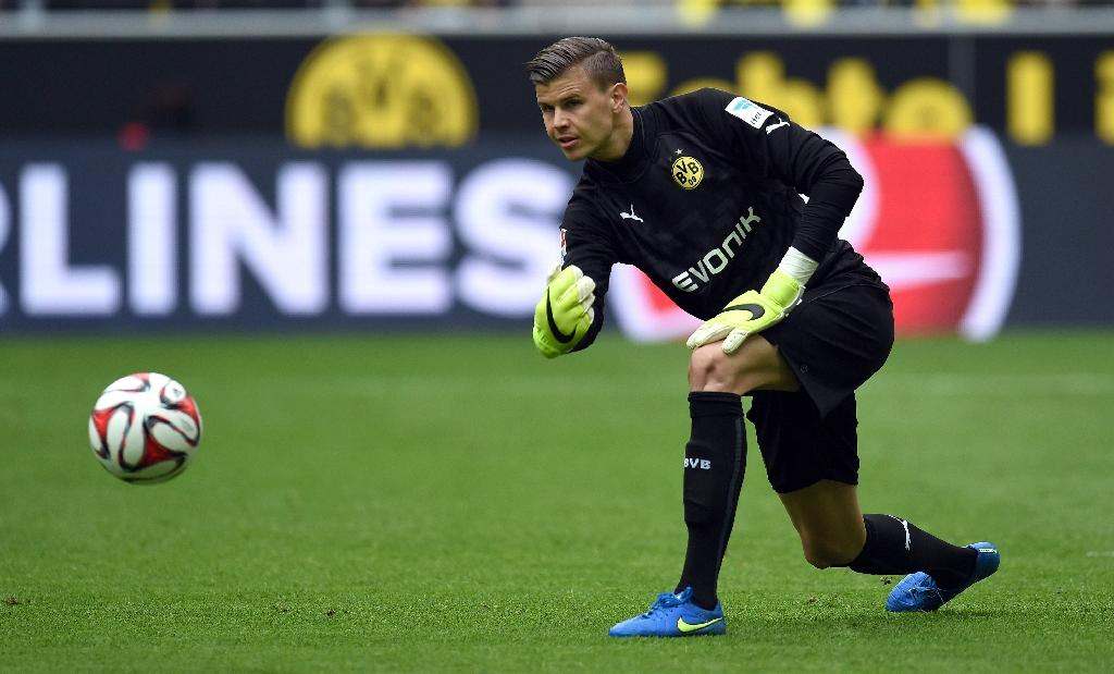 Australia's Langerak to face Bayern in cup semi